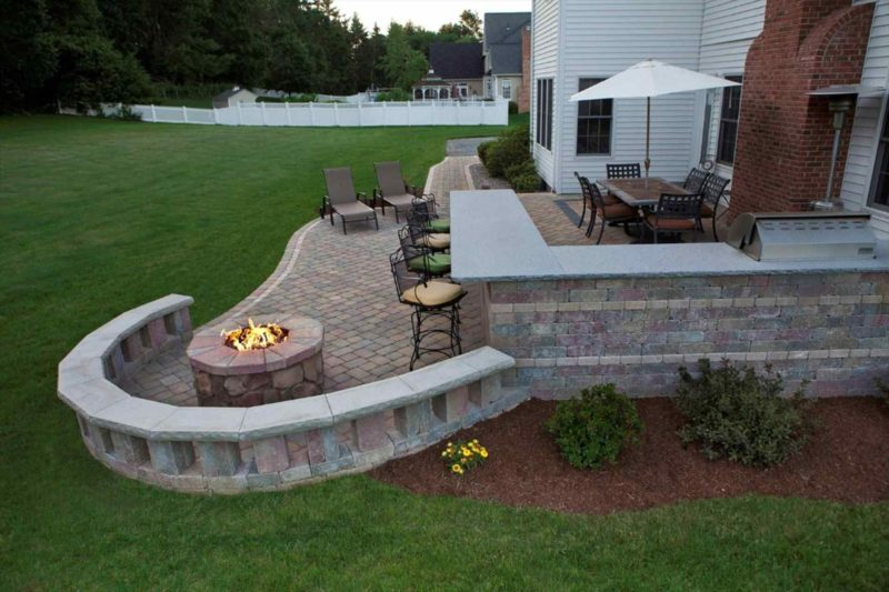 Cinder block Backyard Fire Pit