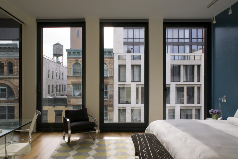 Charmant Bedroom With Floor To Ceiling Windows