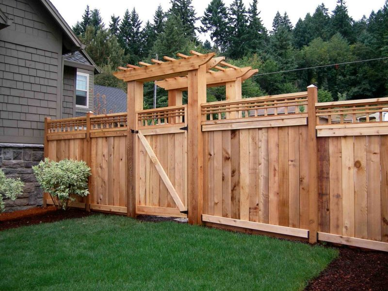 Best DIY Pallet Fence Ideas