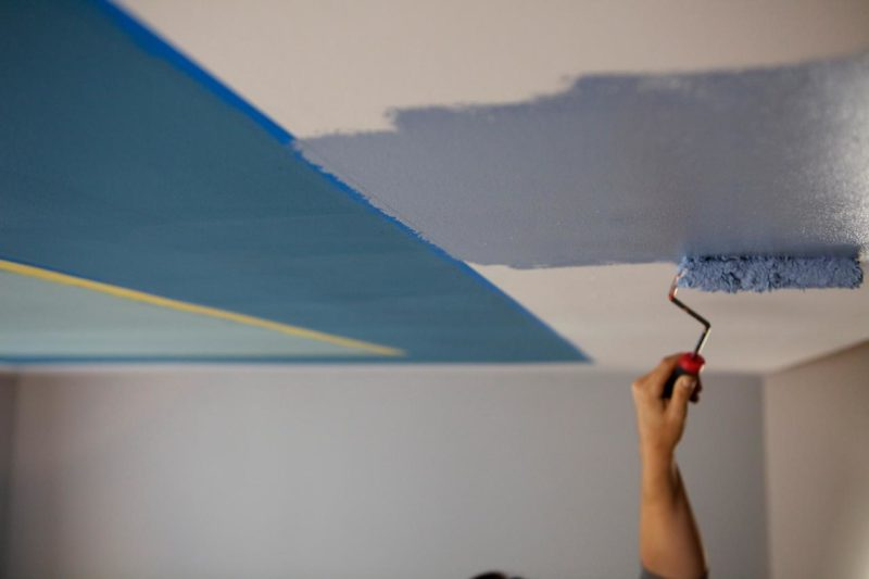 How to paint ceiling