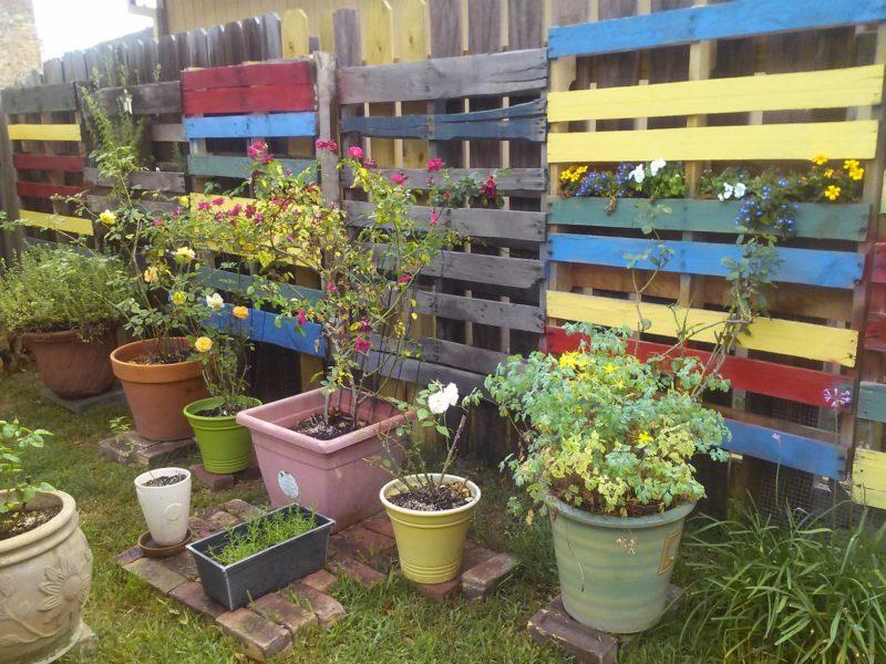 Wood Pallet Flower Fence