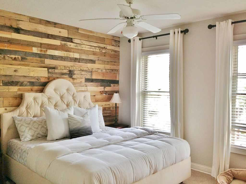 Accent Wall with Wood Pallets