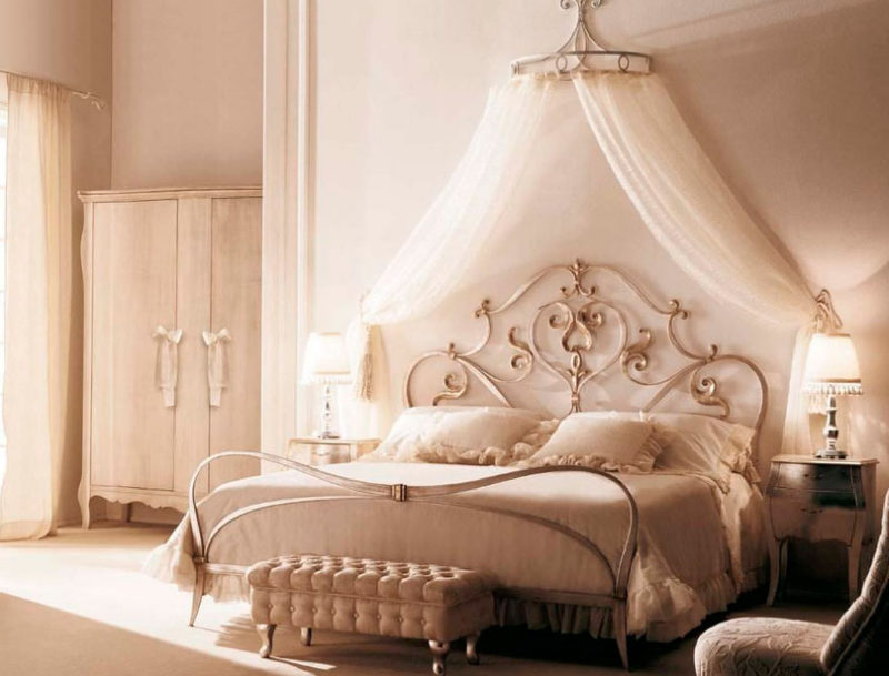 Crown Canopy Beds and Royal Inspiration